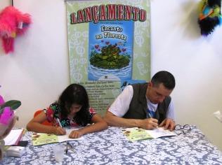 """Lançamento do livro """"Encanto na Floresta""""13"""